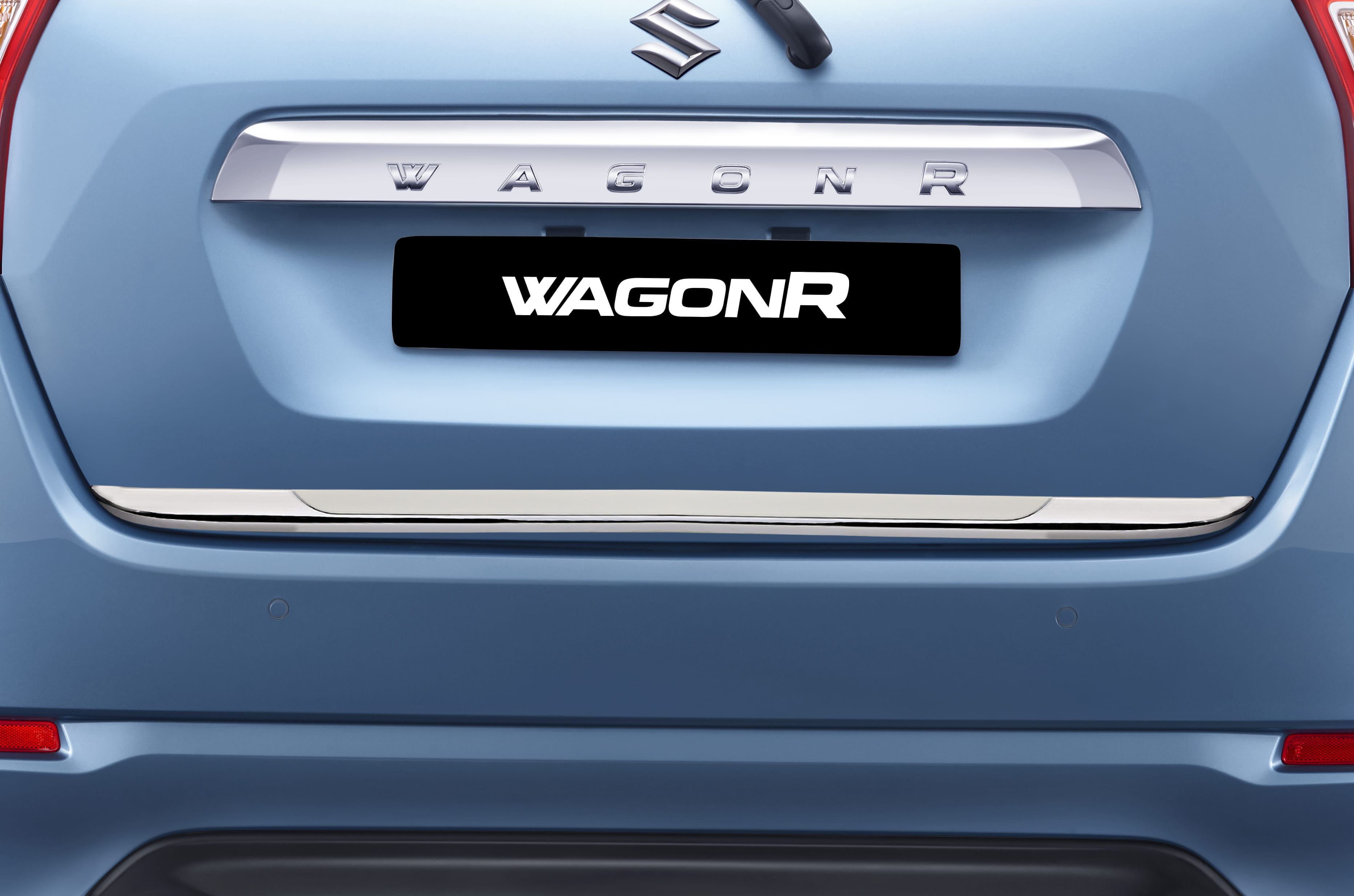 Back Door Garnish (White) | Wagon R